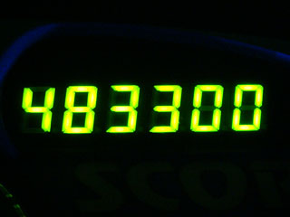 483300