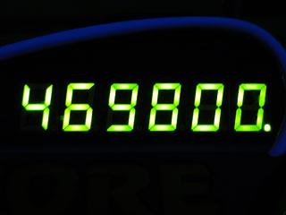 469800