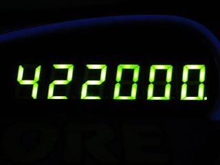 422000