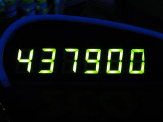 437900