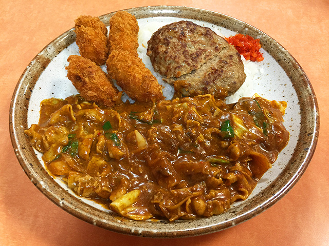 Pork and 3 Flavor Kimchi Curry with Hamburger and Fried Oysters