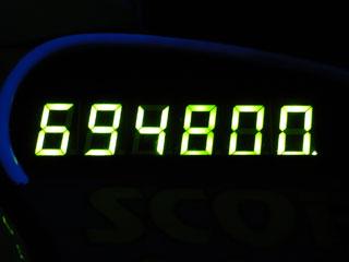 694800