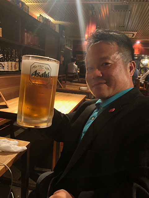 Dr. MaCHO with 1 L Beer