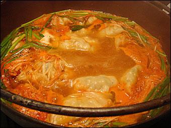 黒豚水餃子鍋