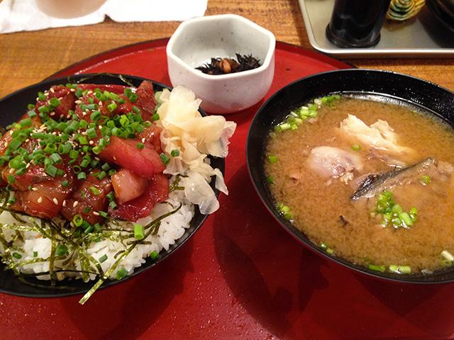 Seasoned Seafood Rice Bowl