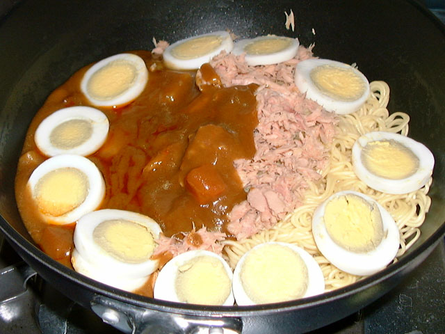 Curry and Ramen Noodles with Tuna and Boiled Eggs