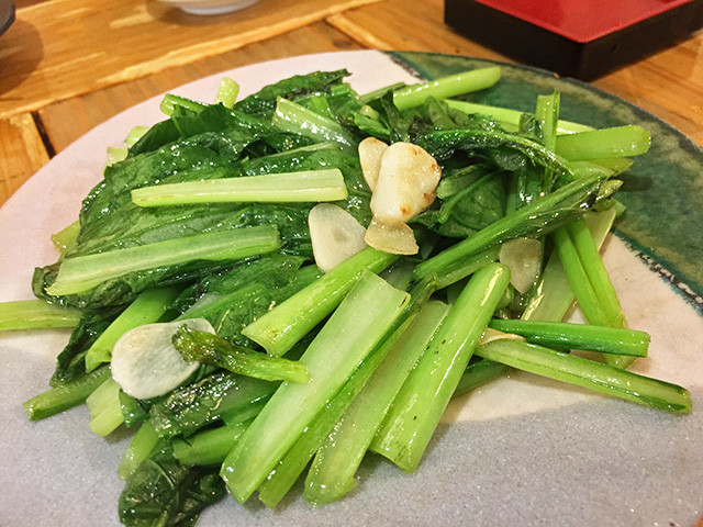 Stir-Fried Komatsuna with Garlic