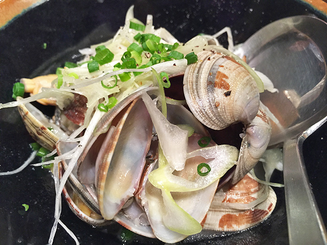 Craft-Beer-Steamed Clams