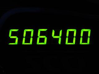 506400