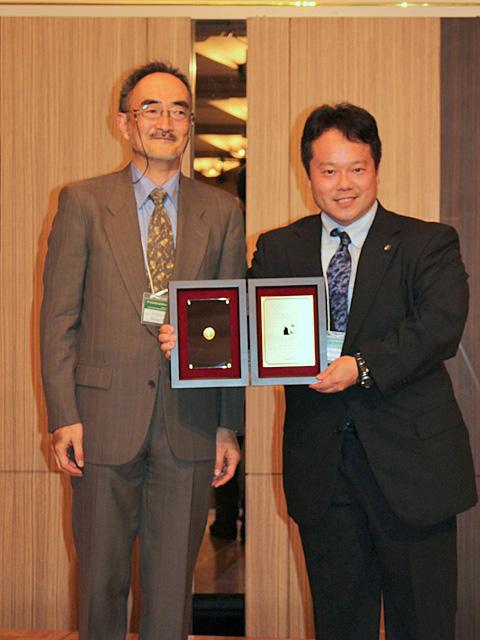 Prof. Yamaguchi and Dr. MaCHO