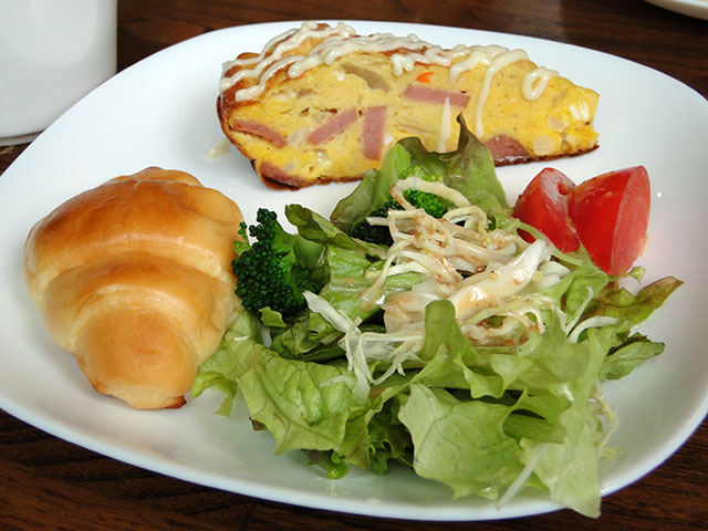 Salad and Omelet