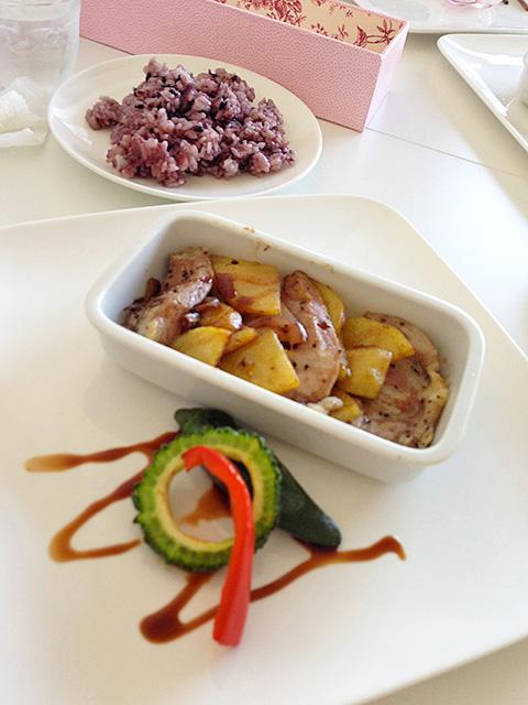 Mamippe's Heartfelt Lunch