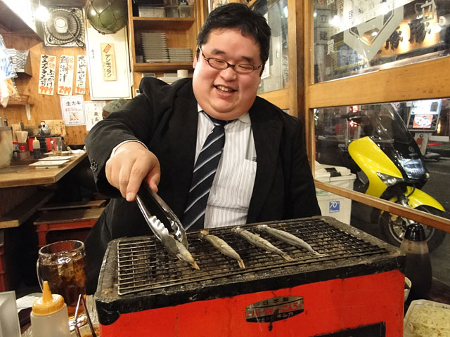 Mr. Boo Grilling Shishamo Smelts
