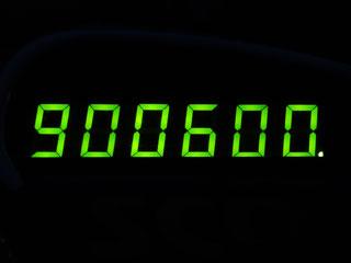 900600