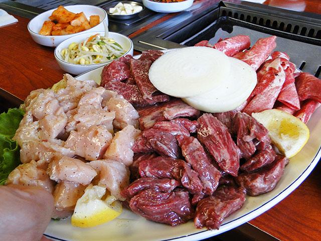 Hyung Je Joomooluck Restaurant