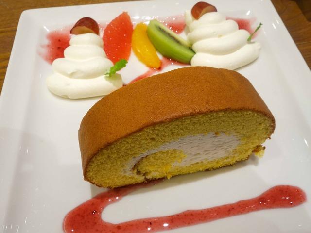 ロールケーキ,フルーツ添え 6_edit