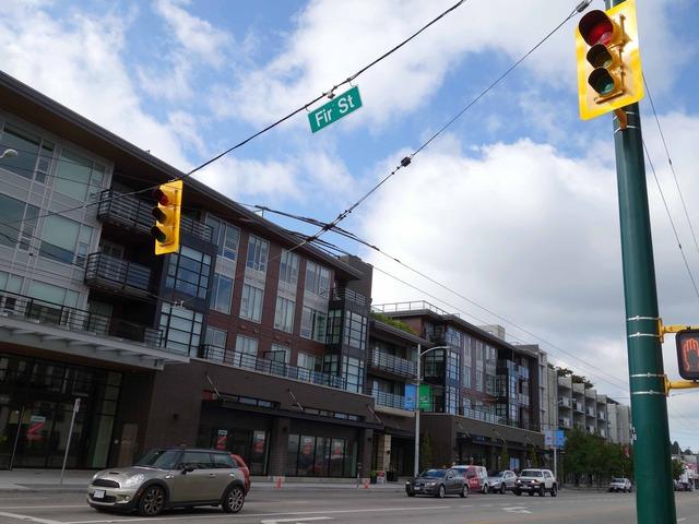 W 4th Ave と Fir St の交差点 1_edit