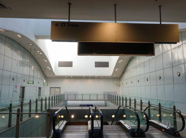 International Airport 駅 3_edit