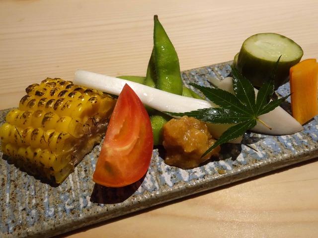 前菜(焼きとうもろこし,生野菜,お新香,肉味噌) 4_edit