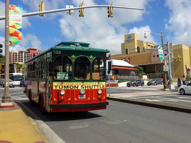 赤いシャトルバス 21_edit