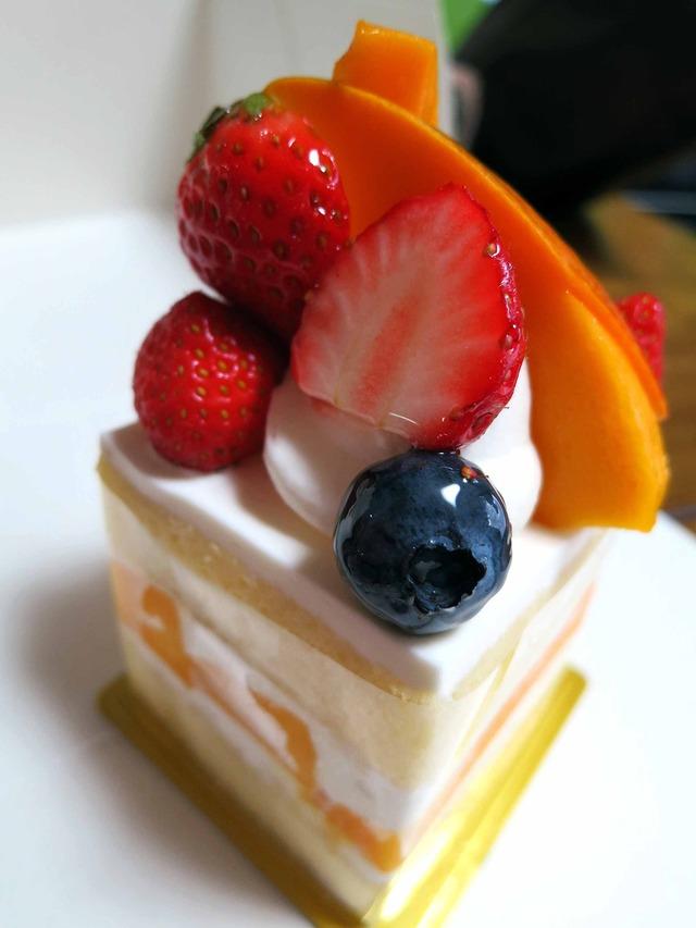 マンゴーのショートケーキ 2_edit