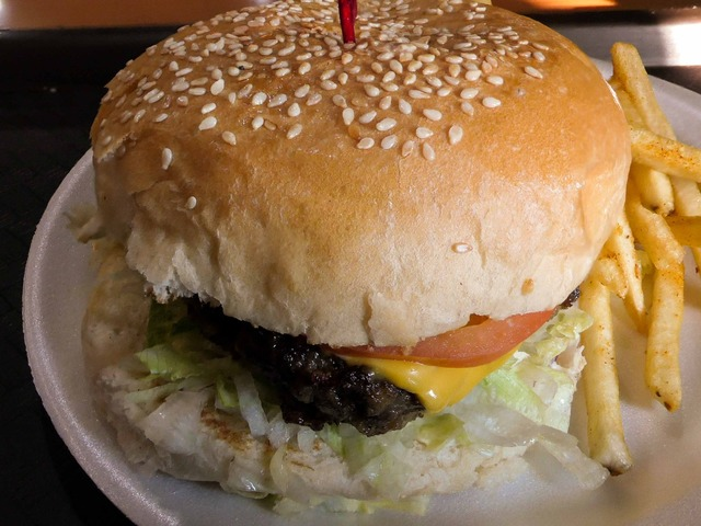 Kuetes Cheese Burger 3_edit