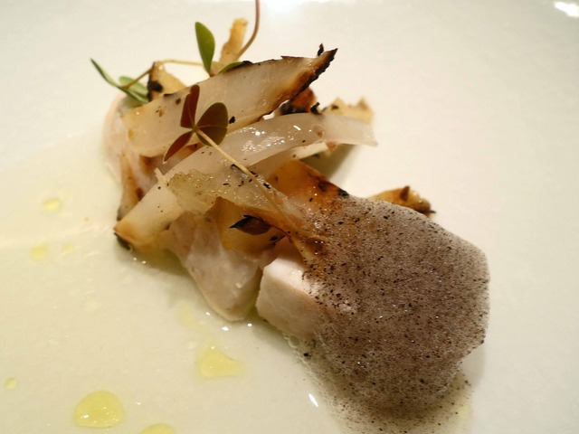 真鯛のヴァプール,黒大根,トマトのソース 4_edit