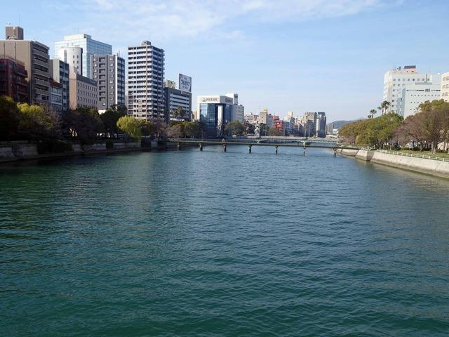 東広島橋から見た京橋川 2_edit