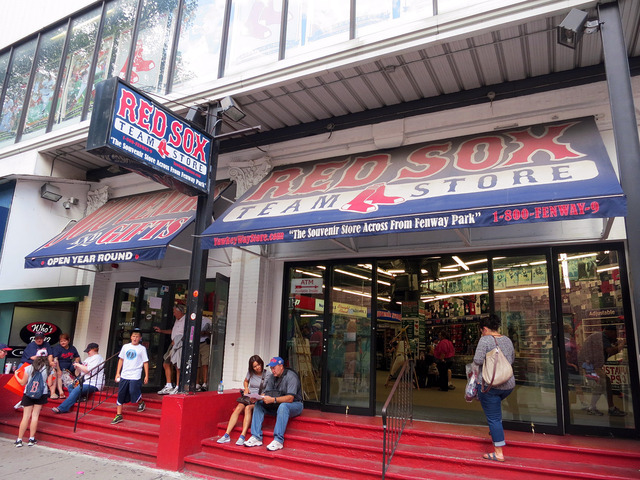 Red Sox Team Store 2_edit