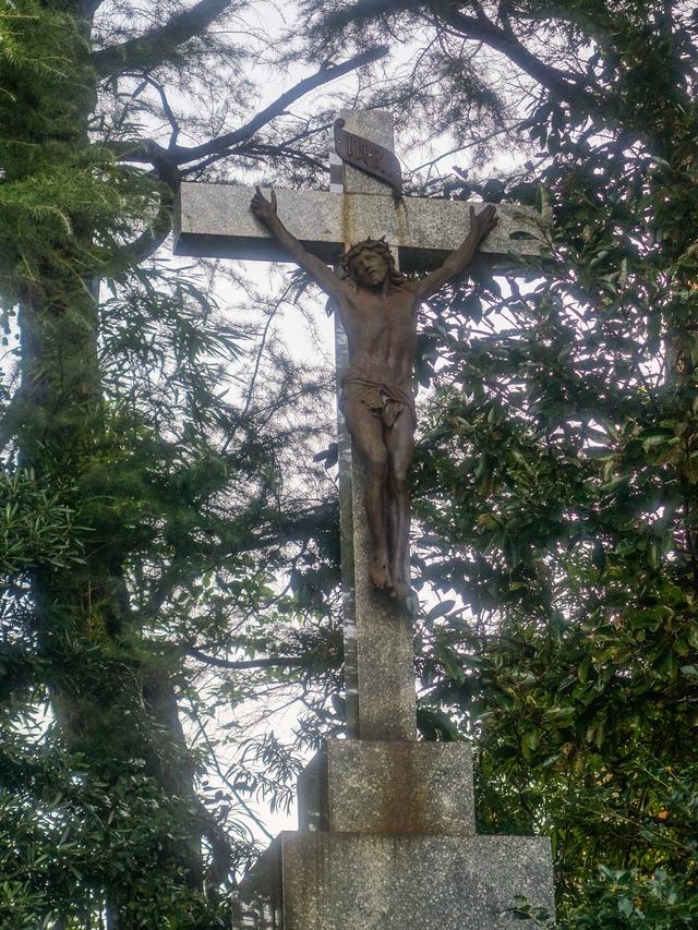 十字架のキリスト 2_edit