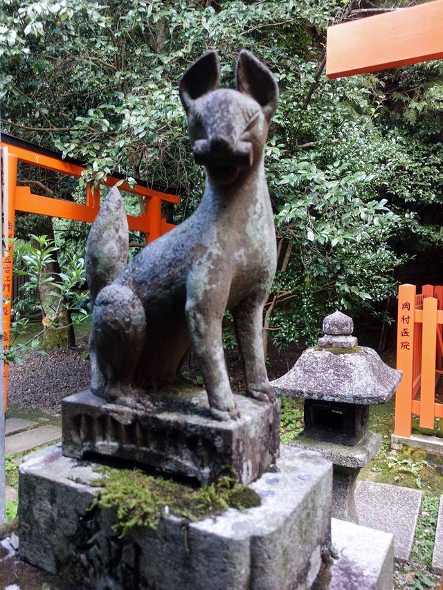 稲荷社の狛狐_edit
