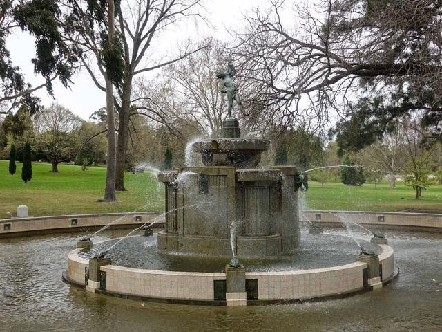 Macpherson Robertson Fountain 3_edit