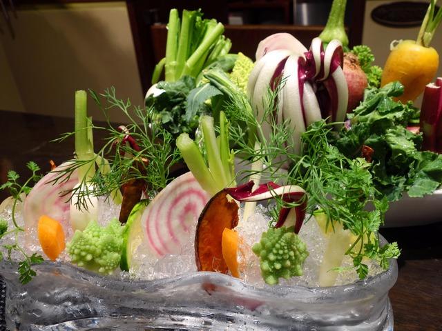 有機野菜とズワイガニとカニ味噌のフレンチバーニャカウダ 2_edit