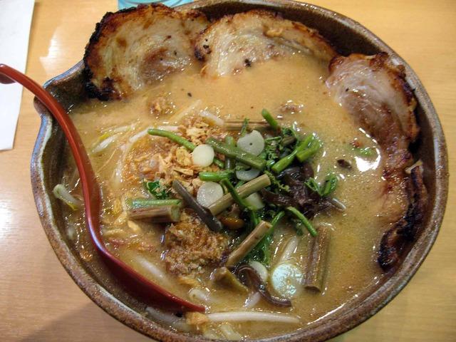 信州味噌炙りチャーシュー麺 1_edit