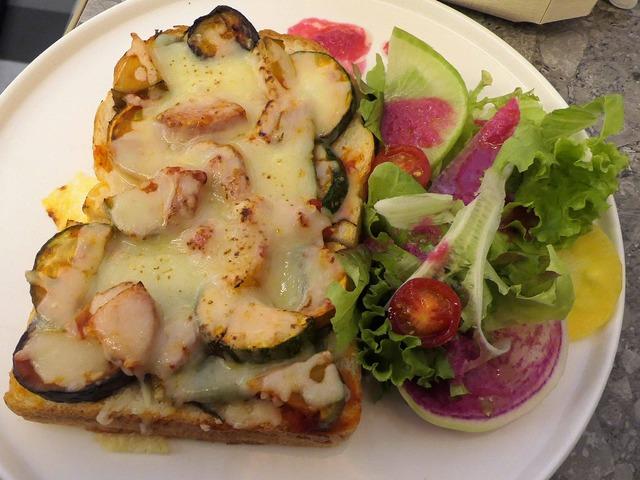 無農薬野菜のピザトースト 1_edit