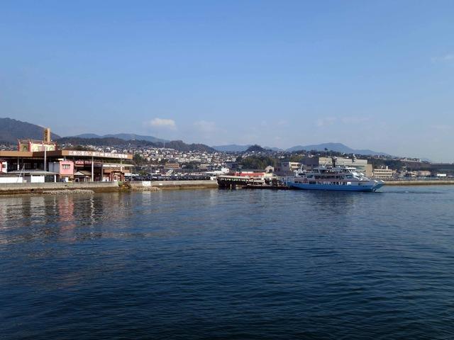 フェリーから広島湾を望む 2_edit