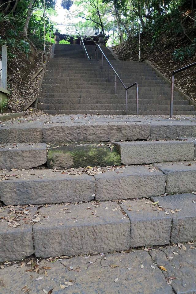 石段の涙石 1_edit