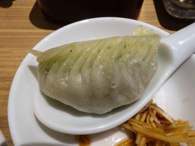野菜と豚肉入り蒸し餃子 2_edit