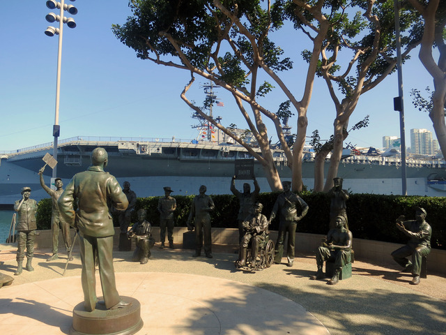 Bob Hope and the Military 4_edit