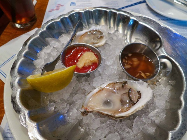 Cape Cod Raw Oysters 1_edit