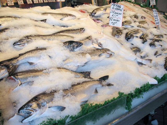 Pike Place Fish_Salmon_edit