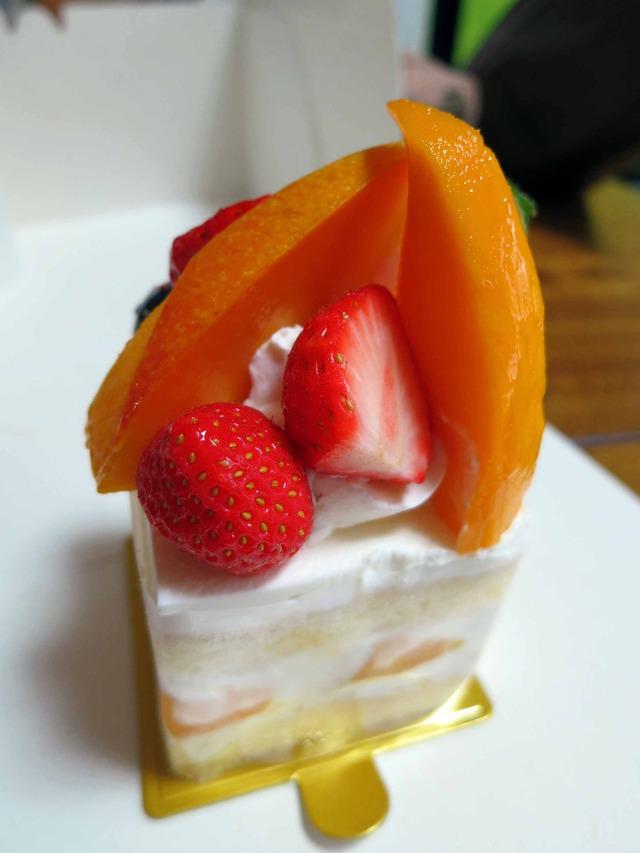 マンゴーのショートケーキ 1_edit