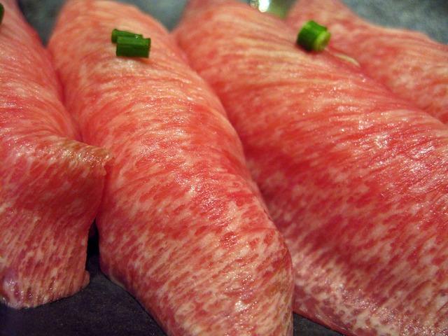 とろ牛タンのお寿司 2_edit