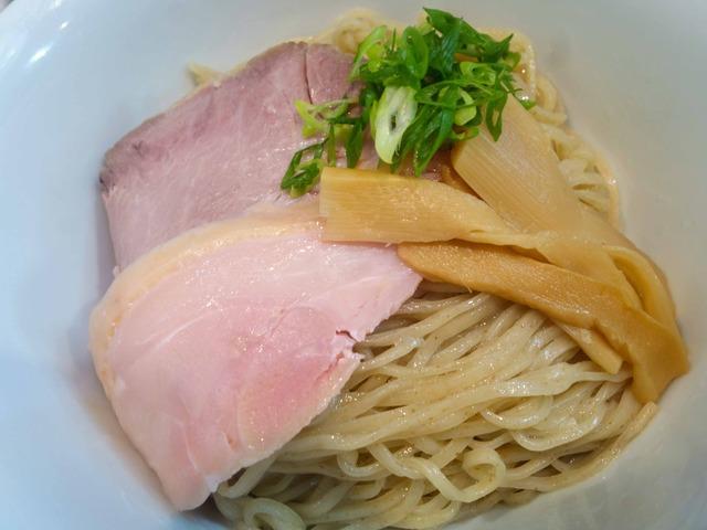 白口煮干の冷やしつけ麺 1_edit