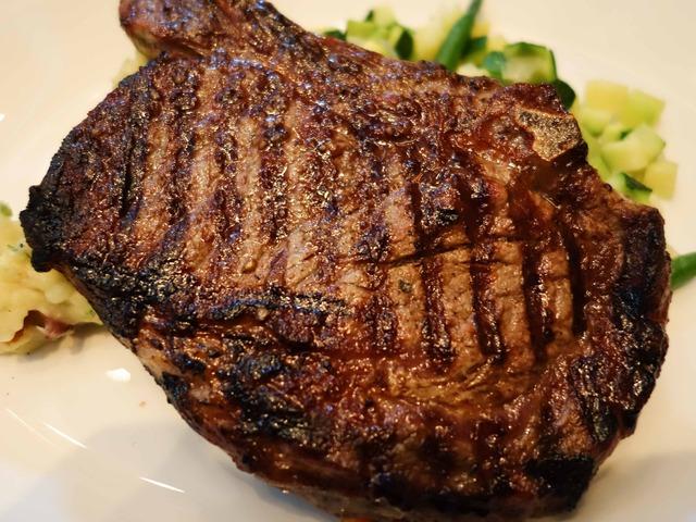 Bone-in Rib Steak 4_edit