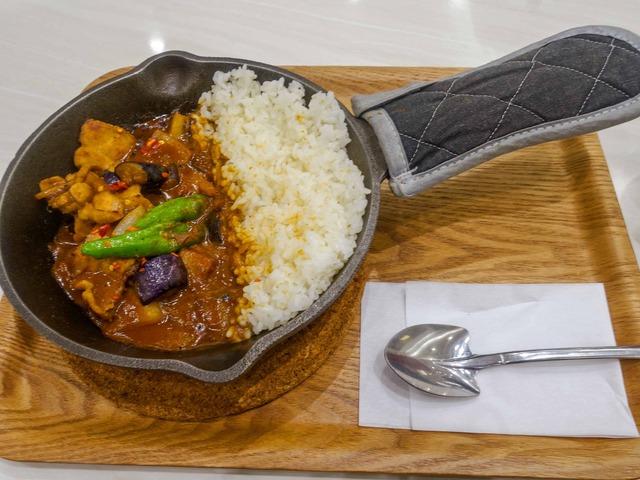 茄子と豚肉の旨味噌炒めカレー 1_edit