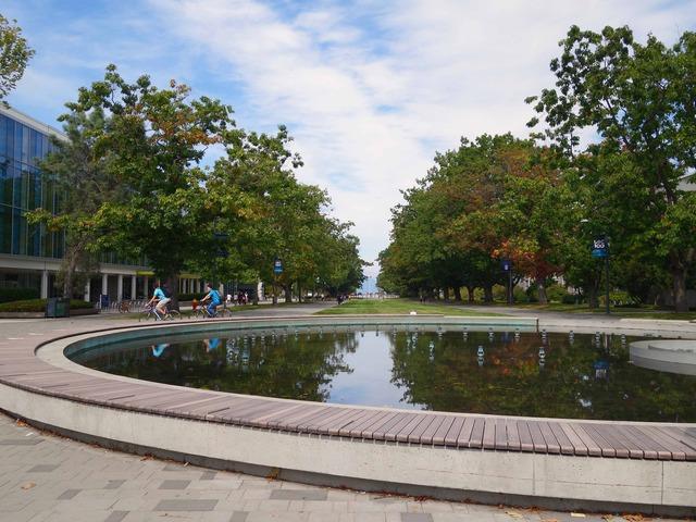 University Blvd と Main Mall の交差点 2_edit