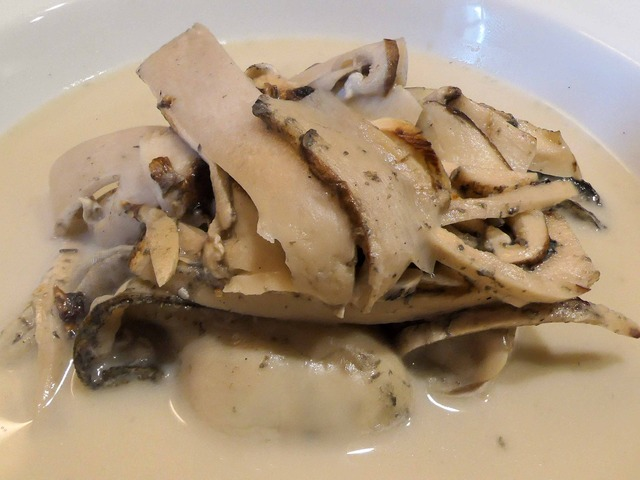 牡蠣と松茸の軽い蒸し煮,チャウダー仕立て 6_edit
