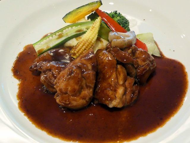 国産鶏もも肉の軽い赤ワイン煮込み 1_edit