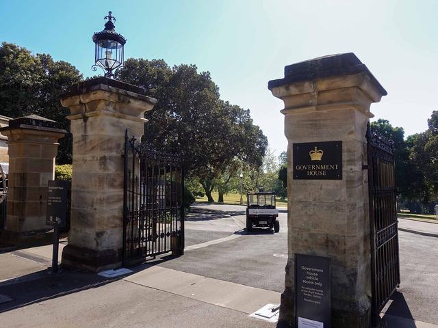 州総督公邸の門 1_edit